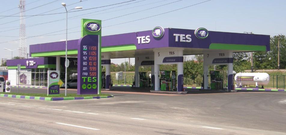 Сеть АЗС TES в Крыму принимает к оплате банковские карты