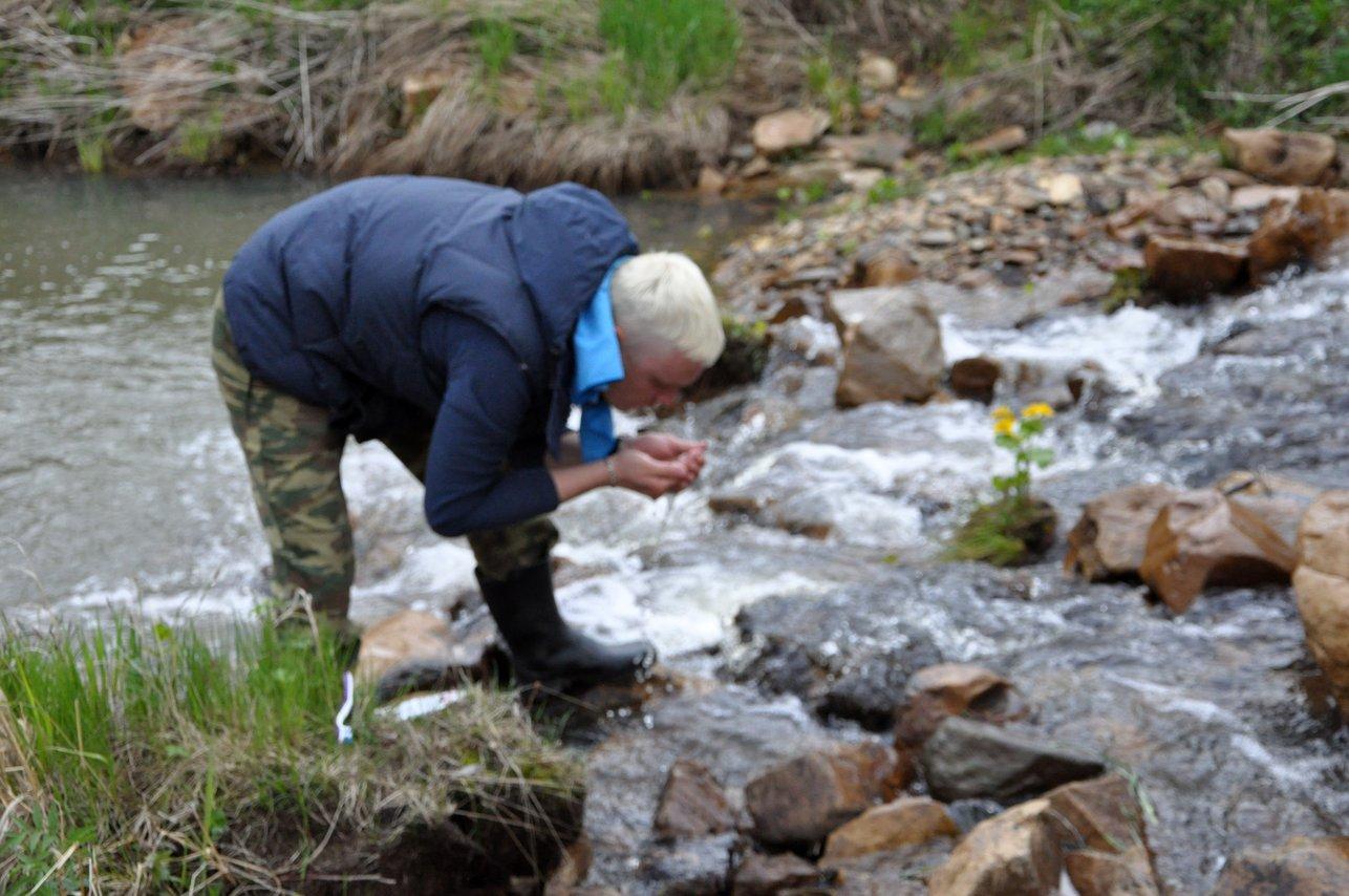 Речка Калагаза - место умывания и набора питьевой воды. У трех вершин