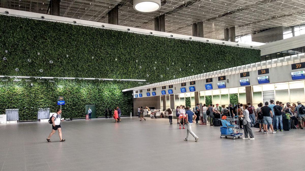 Аэропорт Симферополь. Внутри