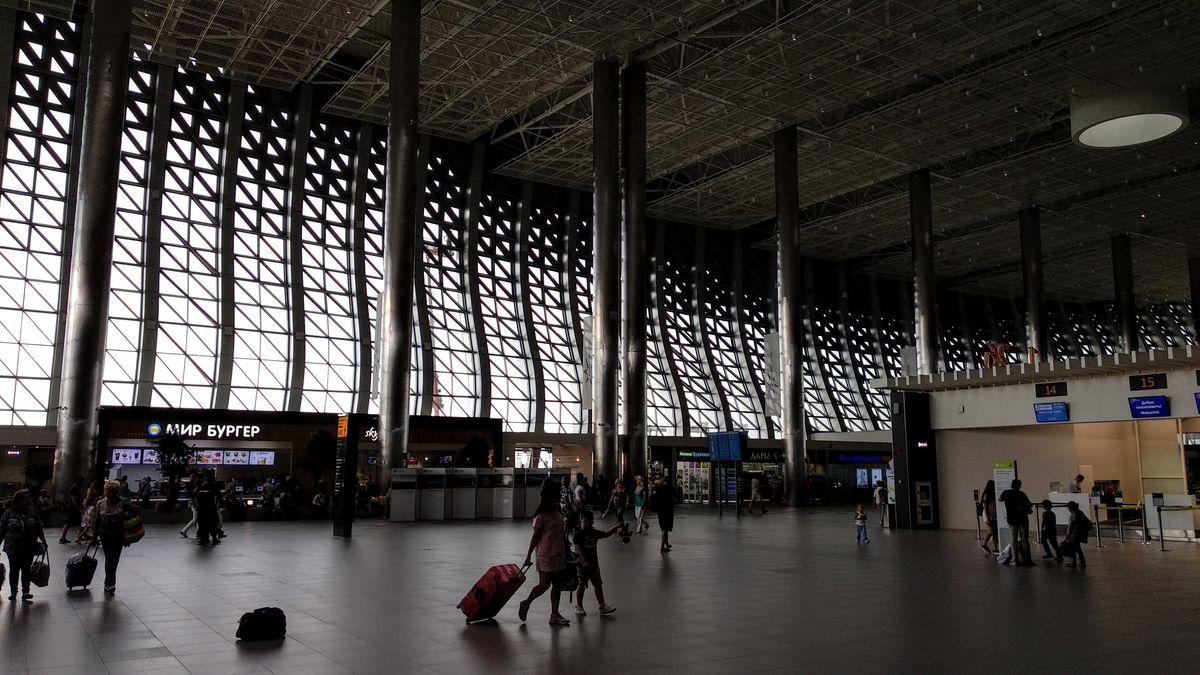 Аэропорт Симферополь. Вид изнутри