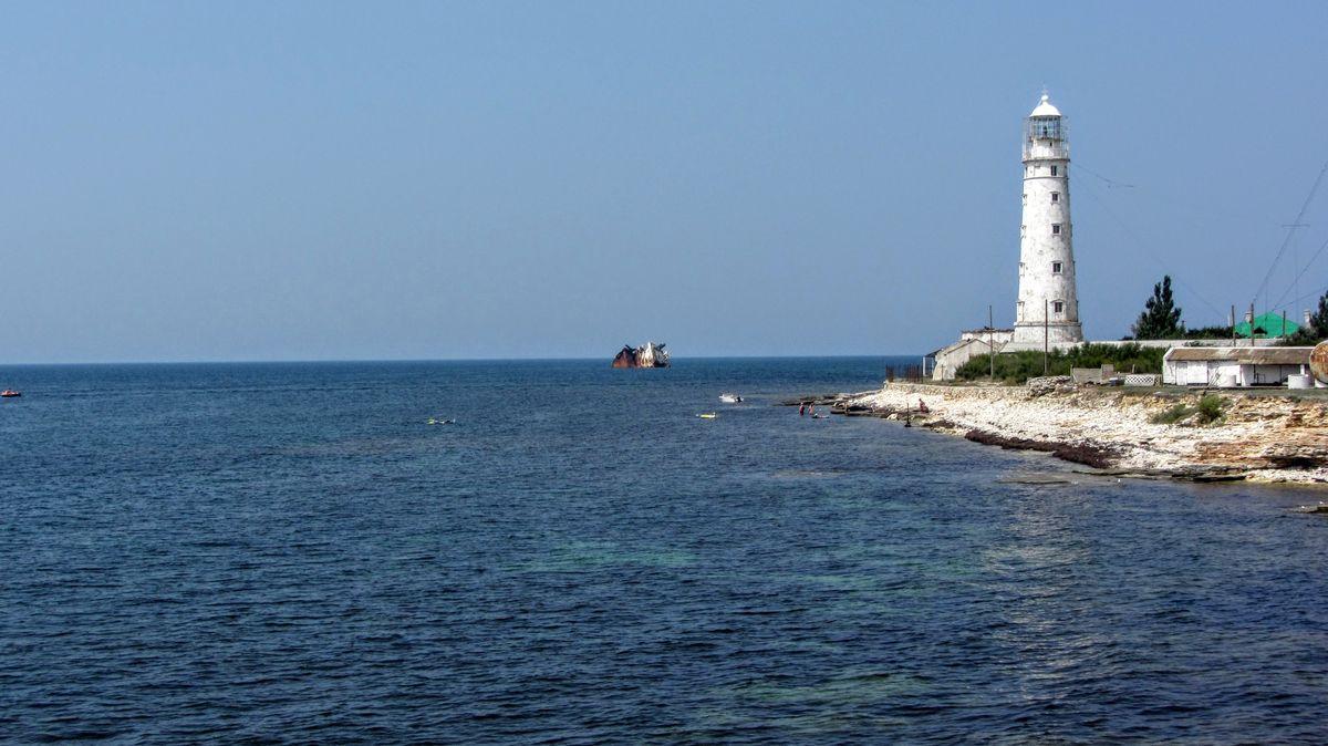 В Крым на две недели. Маяк Тарханкут