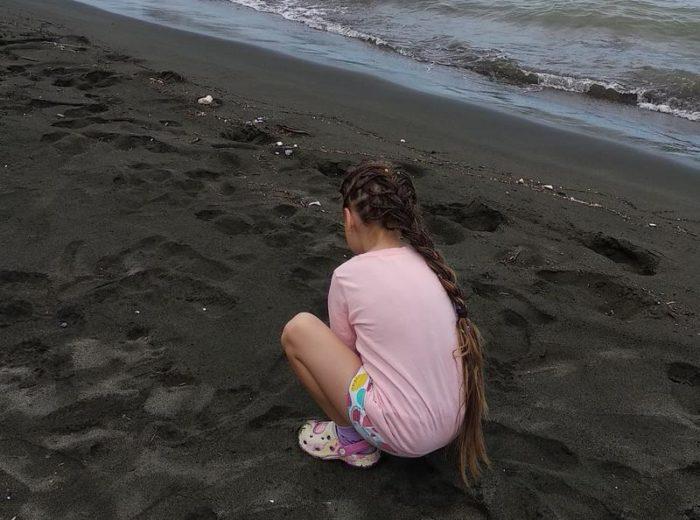Черные пески в Уреки. Кемпинг Black Sand Camp